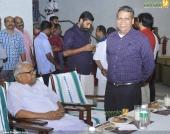 v s achuthanandan at chief minister pinarayi vijayan iftar party photos 110 002