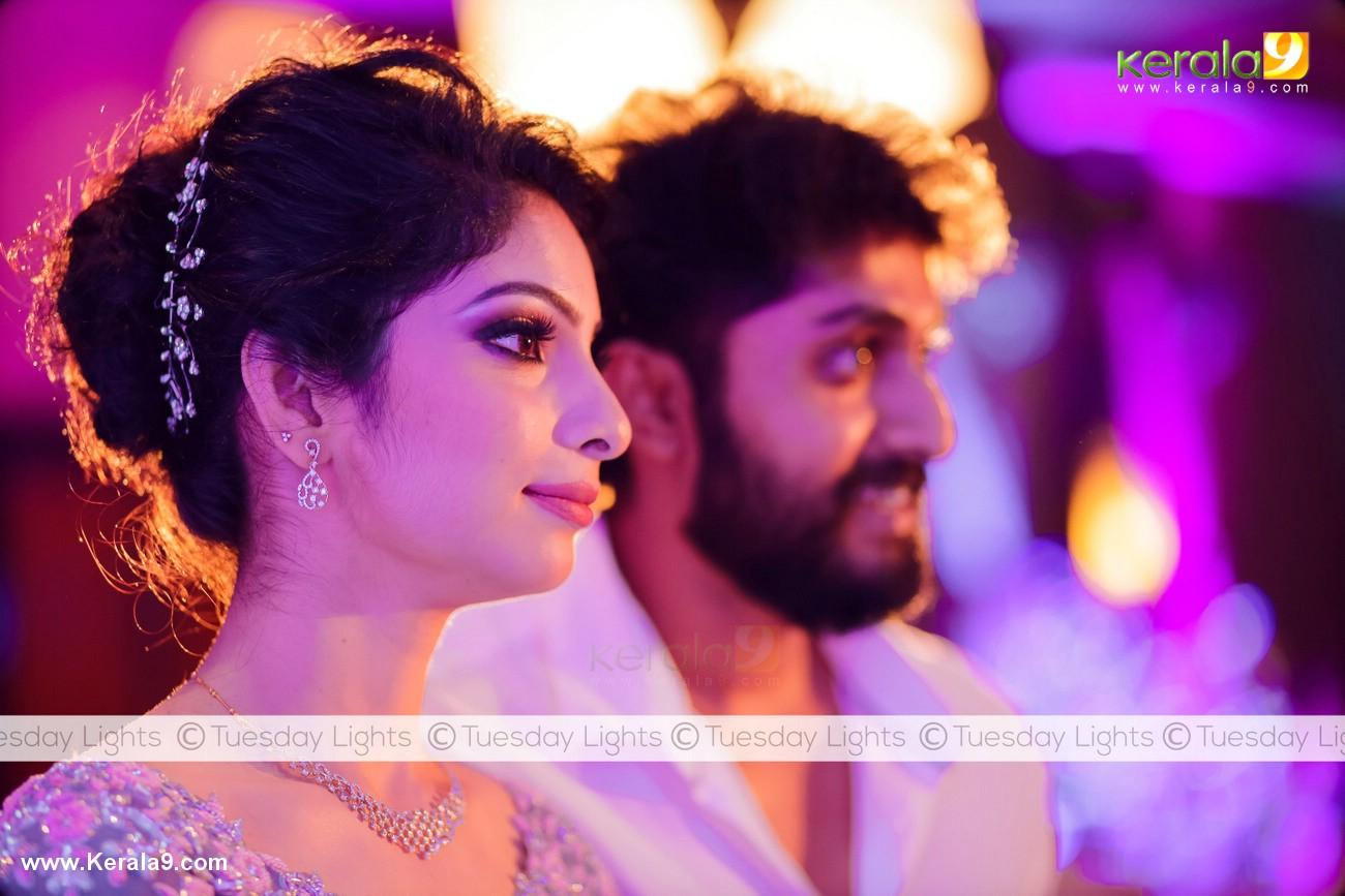 dhyan sreenivasan engagement photos 005