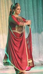 kavya madhavan at dileep show 2017 photos 005 004