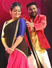 kavya madhavan at dileep show 2017 photos 005 005