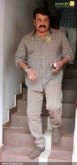 mohanlal at drishyam press meet photos  00
