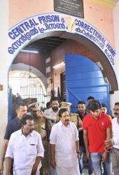 dulquar salman at poojappura central jail pics 200 012