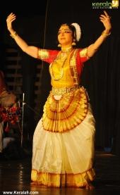 gopika varma mohiniyattam performance at soorya festival 2015 photos00 016