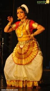 gopika varma mohiniyattam performance at soorya festival 2015 photos00 017