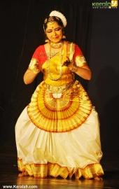 gopika varma mohiniyattam performance at soorya festival 2015 photos00 024