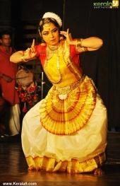 gopika varma mohiniyattam performance at soorya festival 2015 photos00 02