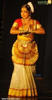 gopika varma mohiniyattam performance at soorya festival 2015 pics03 003