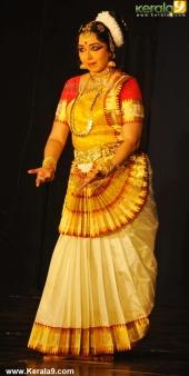 gopika varma mohiniyattam performance at soorya festival 2015 pics03