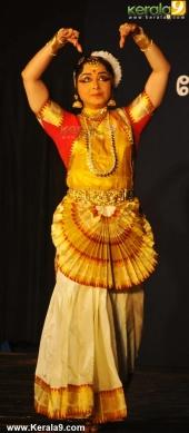 gopika varma mohiniyattam performance at soorya festival 2015 pictures04 001