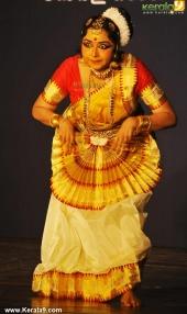gopika varma mohiniyattam performance at soorya festival 2015 pictures04 004