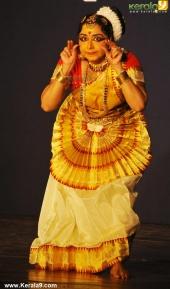 gopika varma mohiniyattam performance at soorya festival 2015 pictures04 005