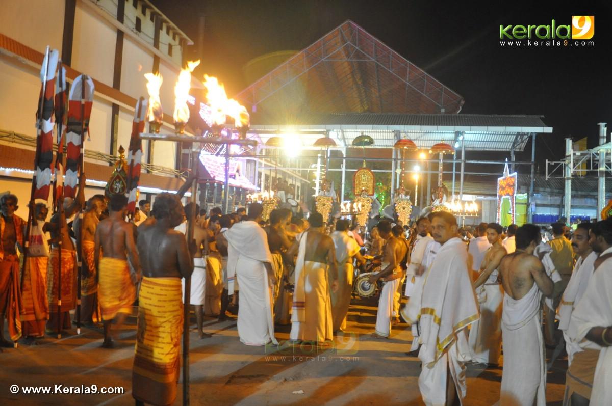 guruvayur temple festival 2016 photos 093 338