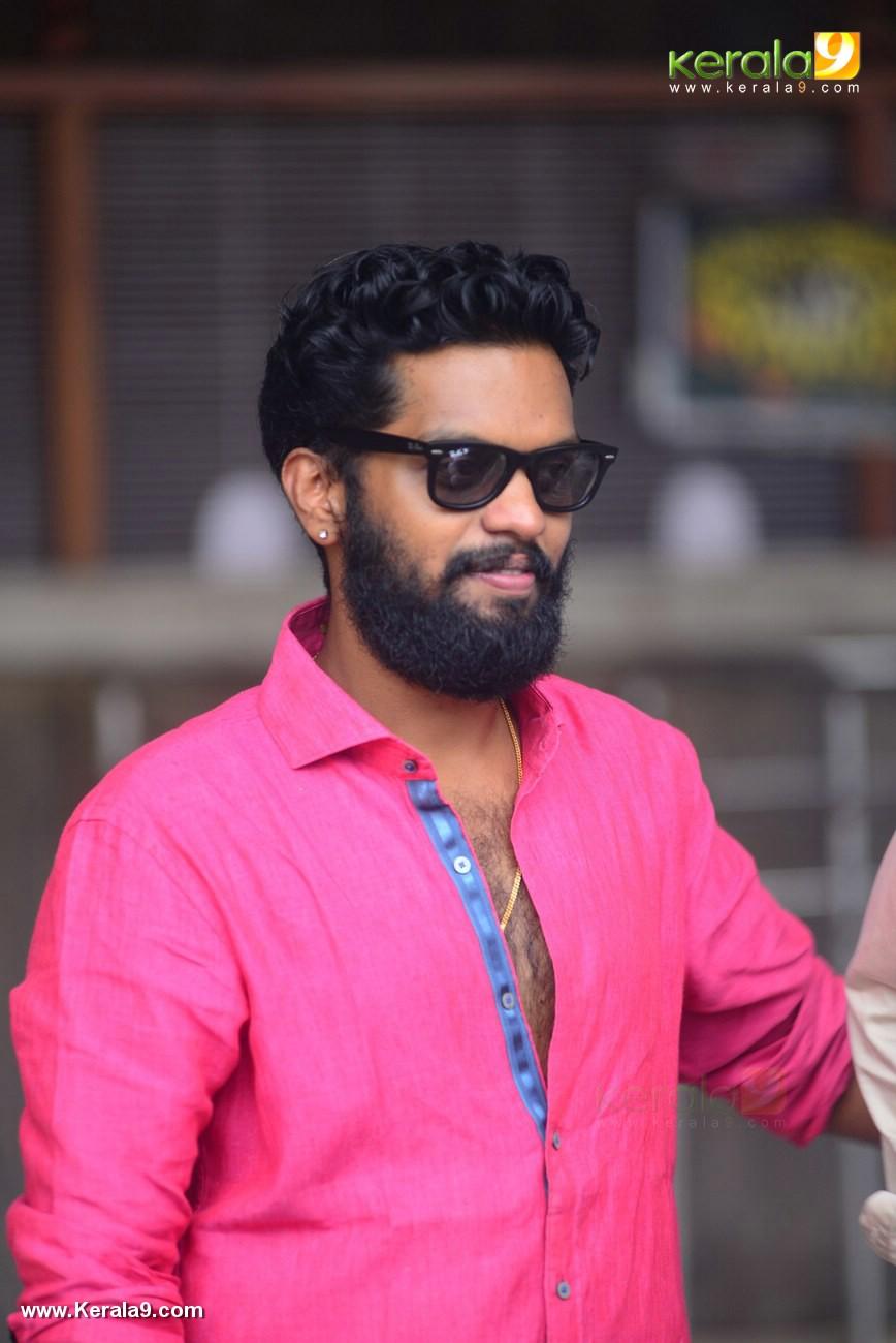 balu varghese at honey bee 2 5 malayalam movie success meet photos 180 001
