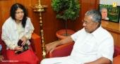irom sharmila visit chief minister pinarayi vijayan photos 100 008