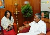 irom sharmila visit chief minister pinarayi vijayan pics 421 001