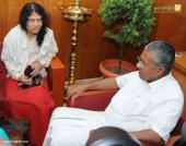 irom sharmila visit chief minister pinarayi vijayan pics 421 002
