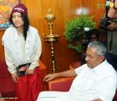 irom sharmila visit chief minister pinarayi vijayan pics 421