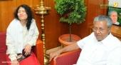 irom sharmila visit chief minister pinarayi vijayan stills 653 002