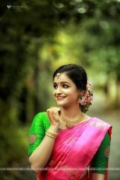 jayaraj warrier daughter engagement photos