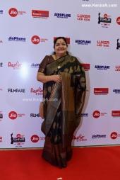 singer ks chitraat jio filmfare awards south 2018 photos  19