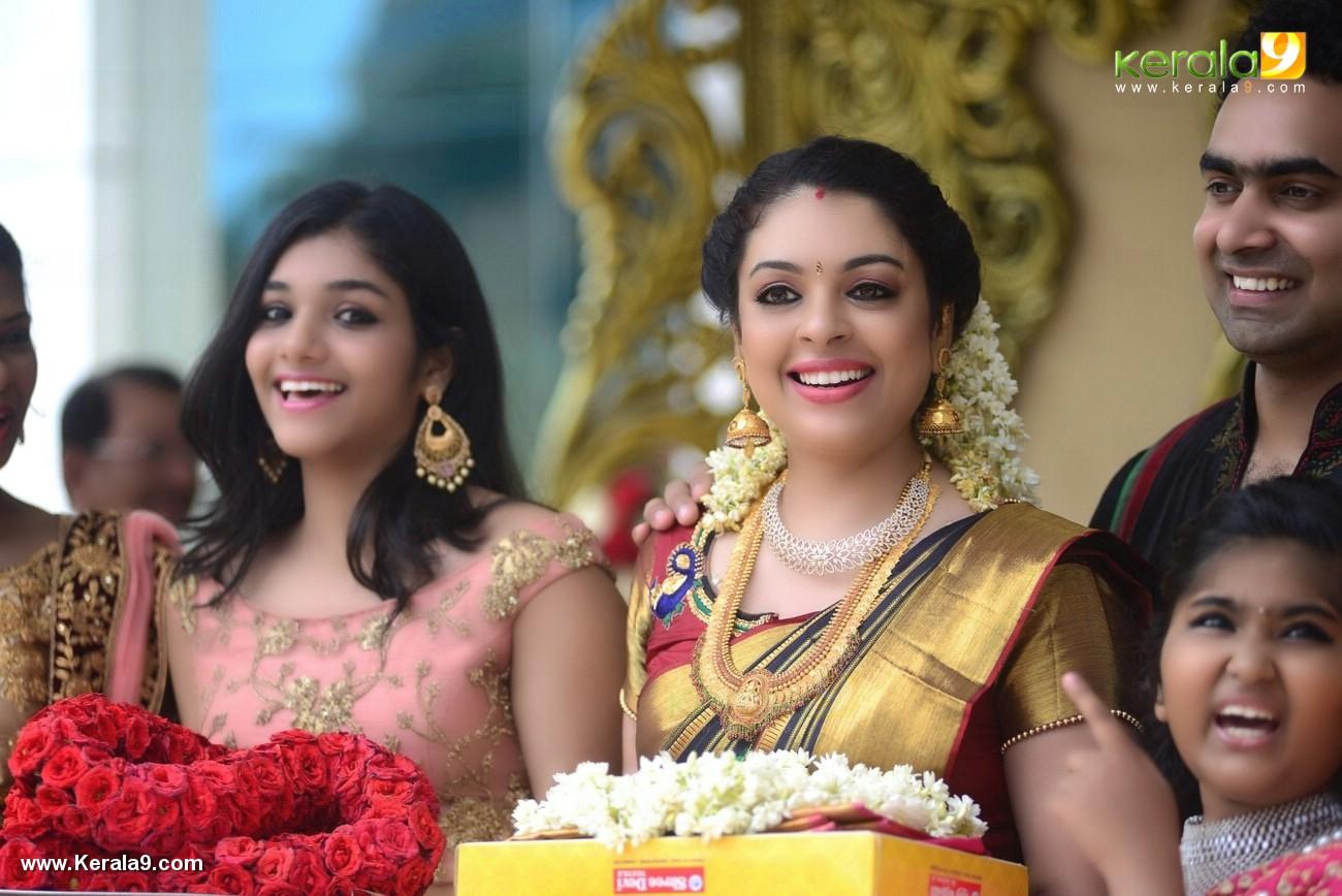 jyothi krishna wedding photos and marriage album pictures 222 010