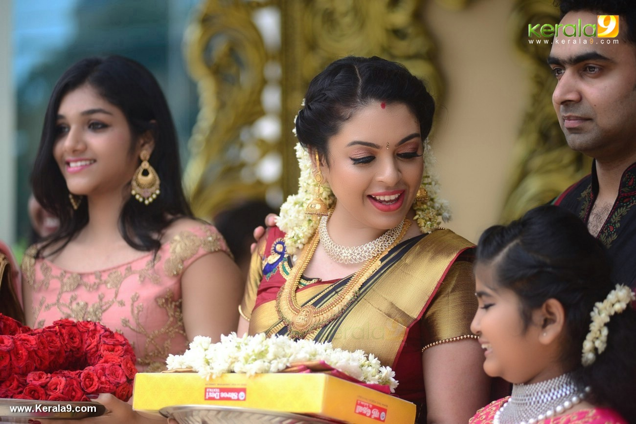 jyothi krishna wedding photos and marriage album pictures 222 014