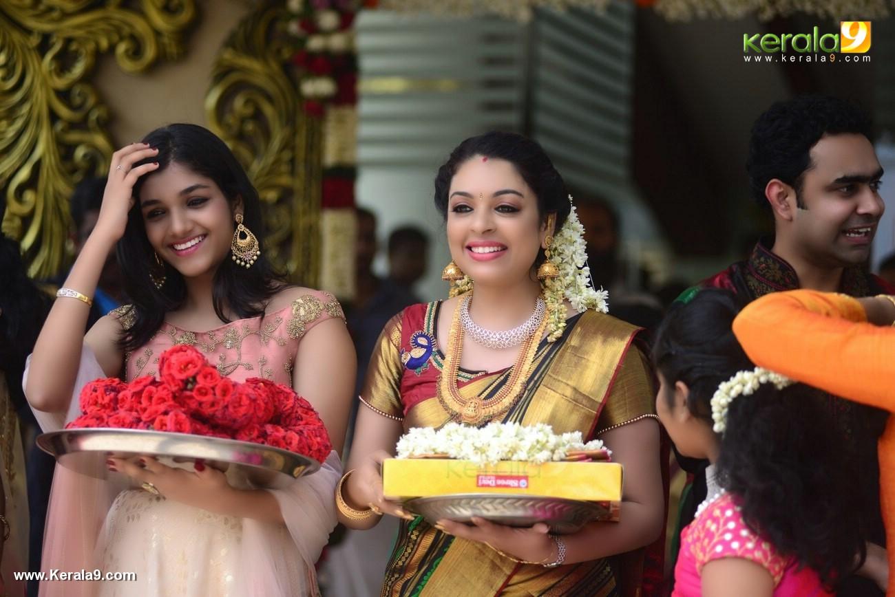 jyothi krishna wedding photos and marriage album pictures 222 025