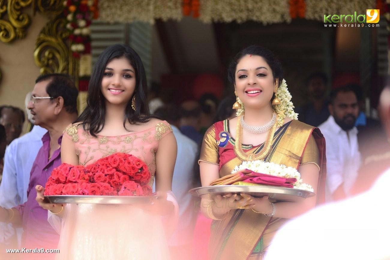 jyothi krishna wedding photos and marriage album stills 000 007