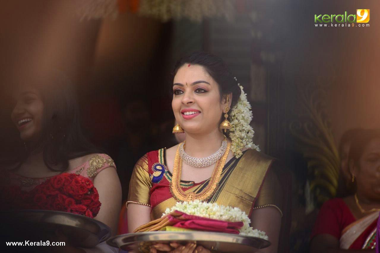 radhika at actress jyothi krishna marriage photos  04