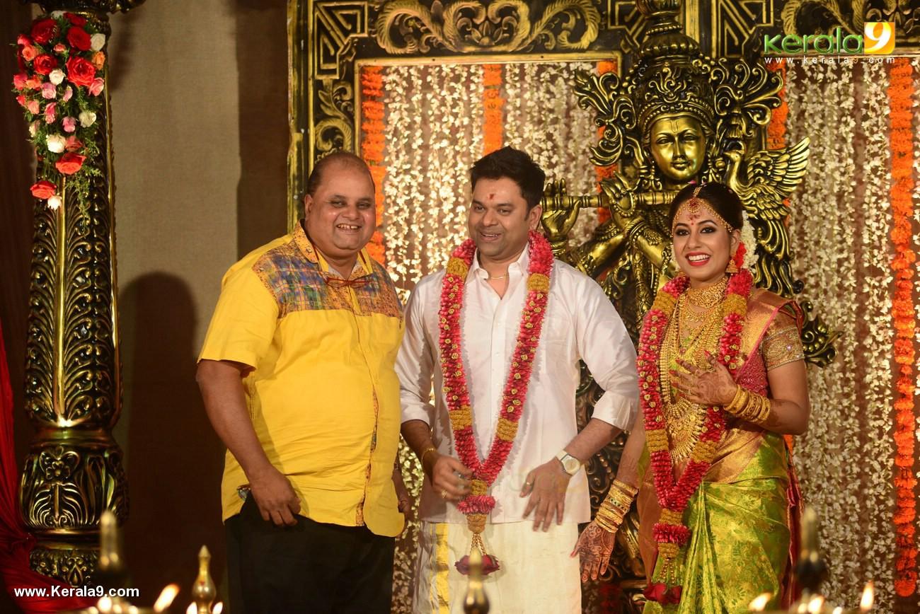 sunil sukhada at actress jyothi krishna wedding pictures 445 007