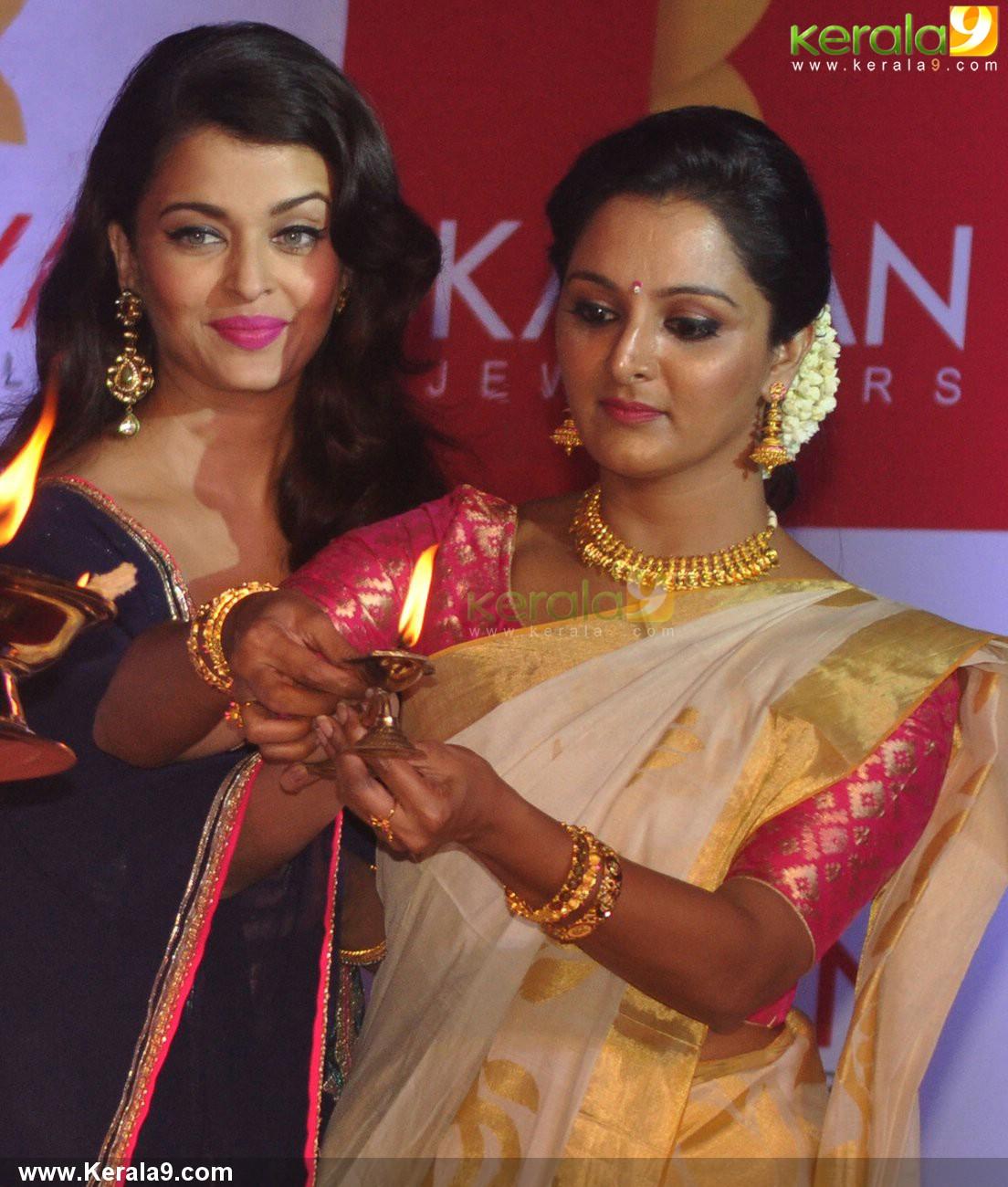 kalyan jewellers five stores inauguration photos - aishwarya rai