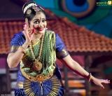 kavya madhavan bharatanatyam at nishagandhi festival 2014 photos 005