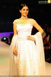 isha talwar at kerala fashion league 2016 pics 607 002