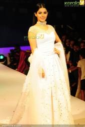 isha talwar at kerala fashion league 2016 pics 607