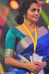 parvathy at kerala state film awards 2016 photos 110 01
