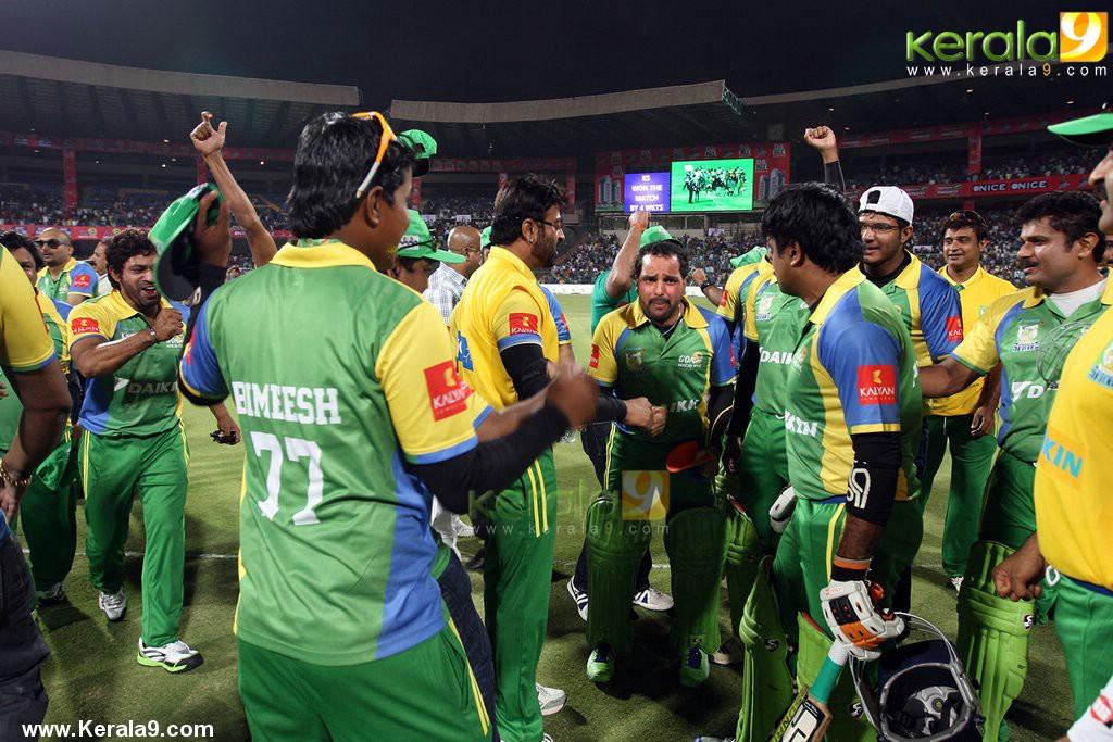 kerala strikers ccl 2014 match photos  004