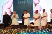 pinarayi vijayan at kochi metro rail inauguration photos 190