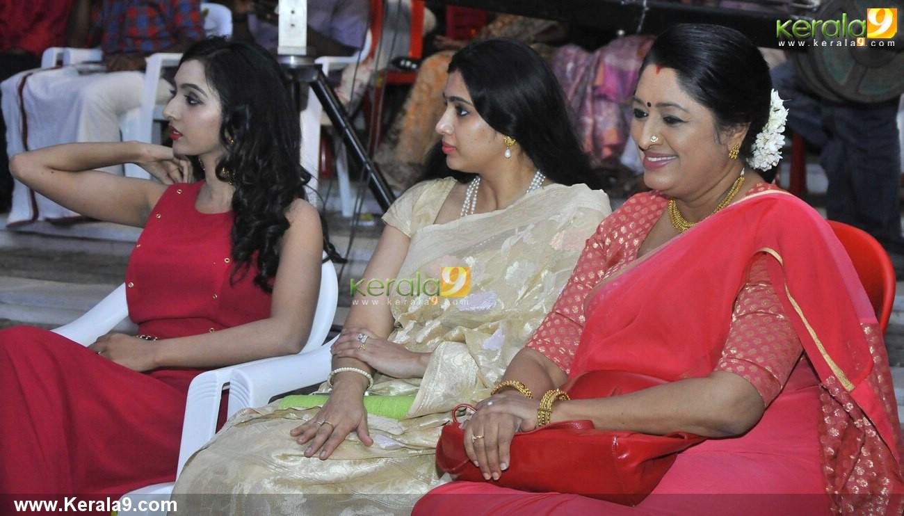lenin rajendran felicitated for 35 years in film industry samyuktha varma stills 108 002