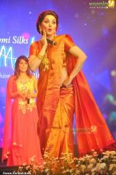 madhuri dixit at mahalekshmi silks saptha mukhi mega fashion show 2016 stills 169 010