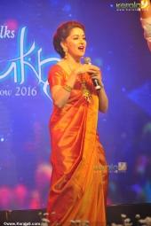 madhuri dixit at mahalekshmi silks saptha mukhi mega fashion show 2016 stills 169 01