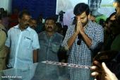 prithviraj at actress kalpana funeral photos 075 02
