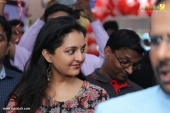 manju warrier at sony showroom inauguration tvm photos 092 050