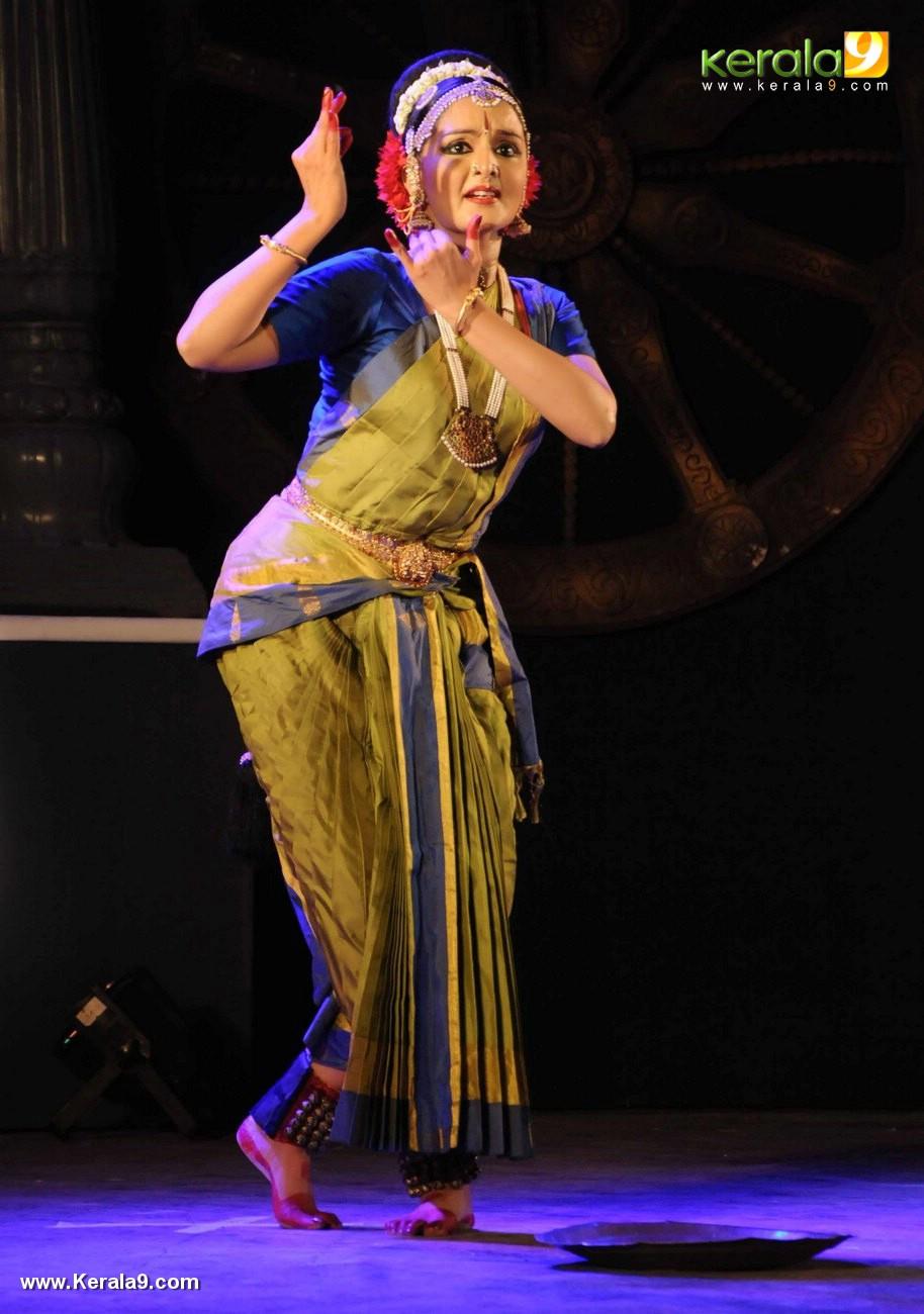 manju warrier dance at soorya dance and music festival 2017 photos 121 07