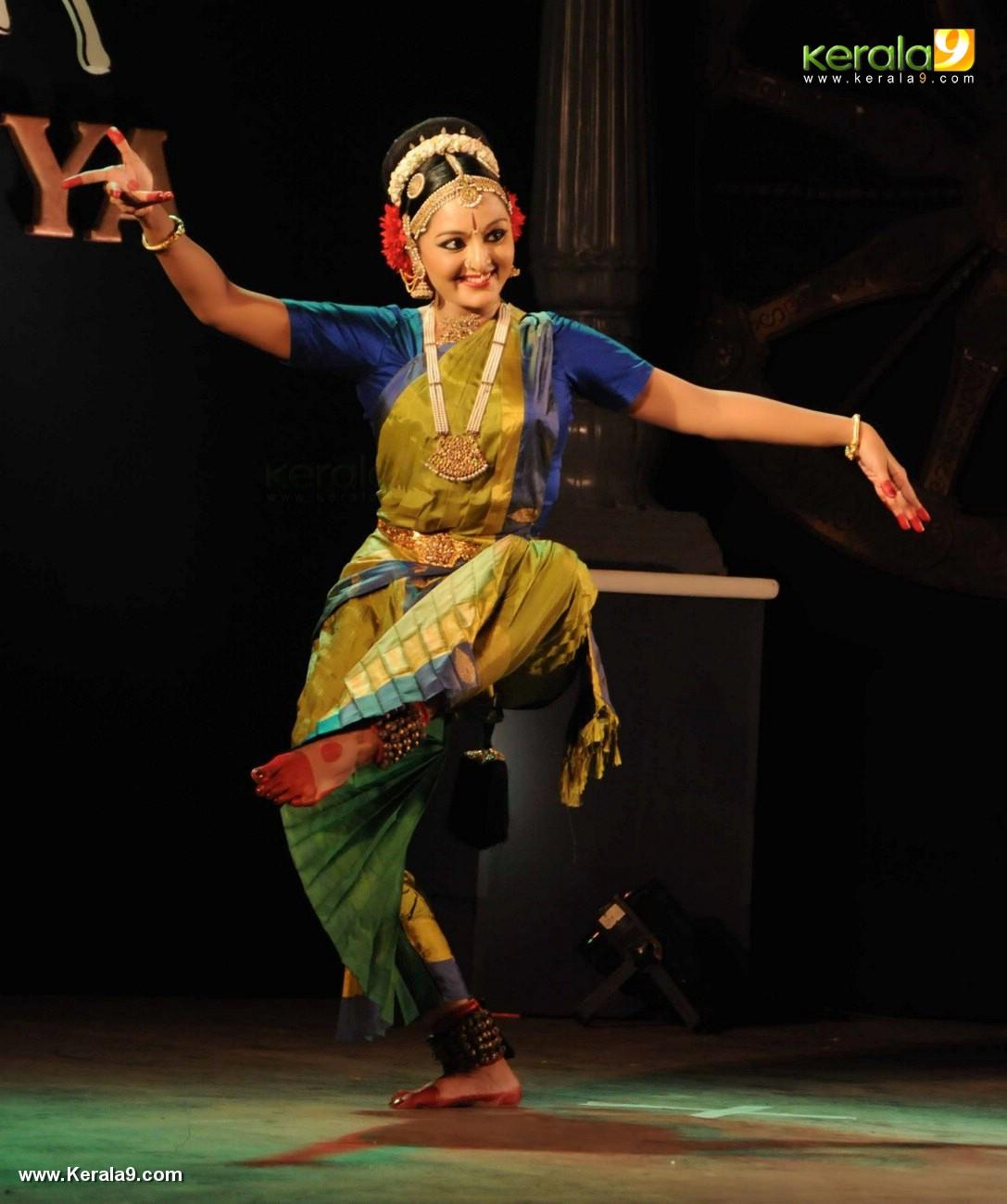 manju warrier dance at soorya dance and music festival 2017 stills 987