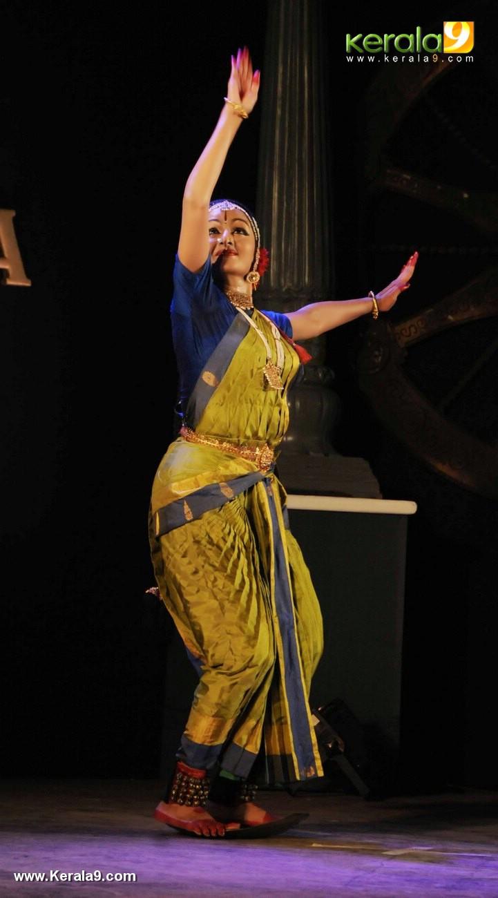 manju warrier kuchipudi at soorya dance and music festival 2017 photos 198 007