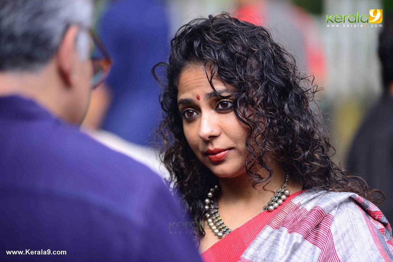 poornima indrajith at movie titled mohanlal pooja photos  027