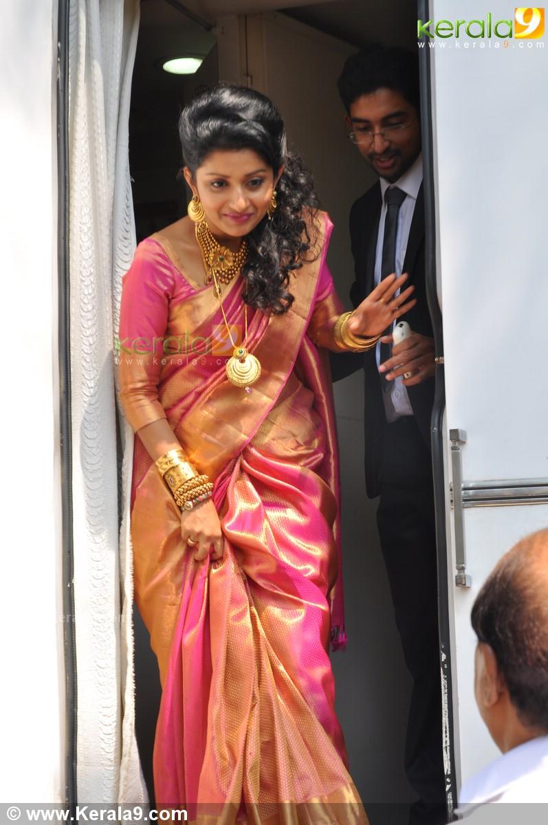 Meera Jasmine Wedding Photos 06553 Kerala9 Com