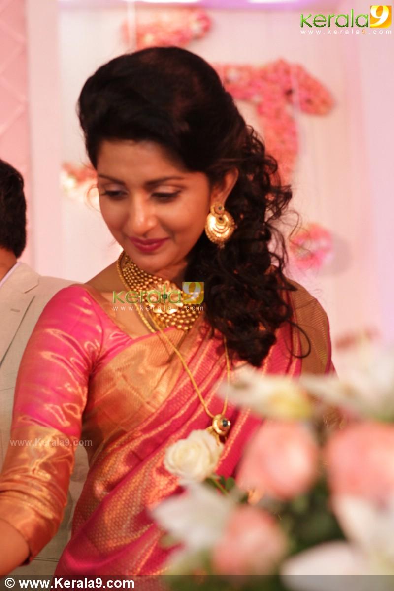 Meera Jasmine Wedding Reception Pics 00890 Kerala9 Com