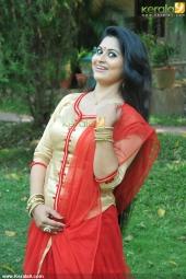 sruthi lakshmi at mizhi thurakku malayalam movie pooja photos 002