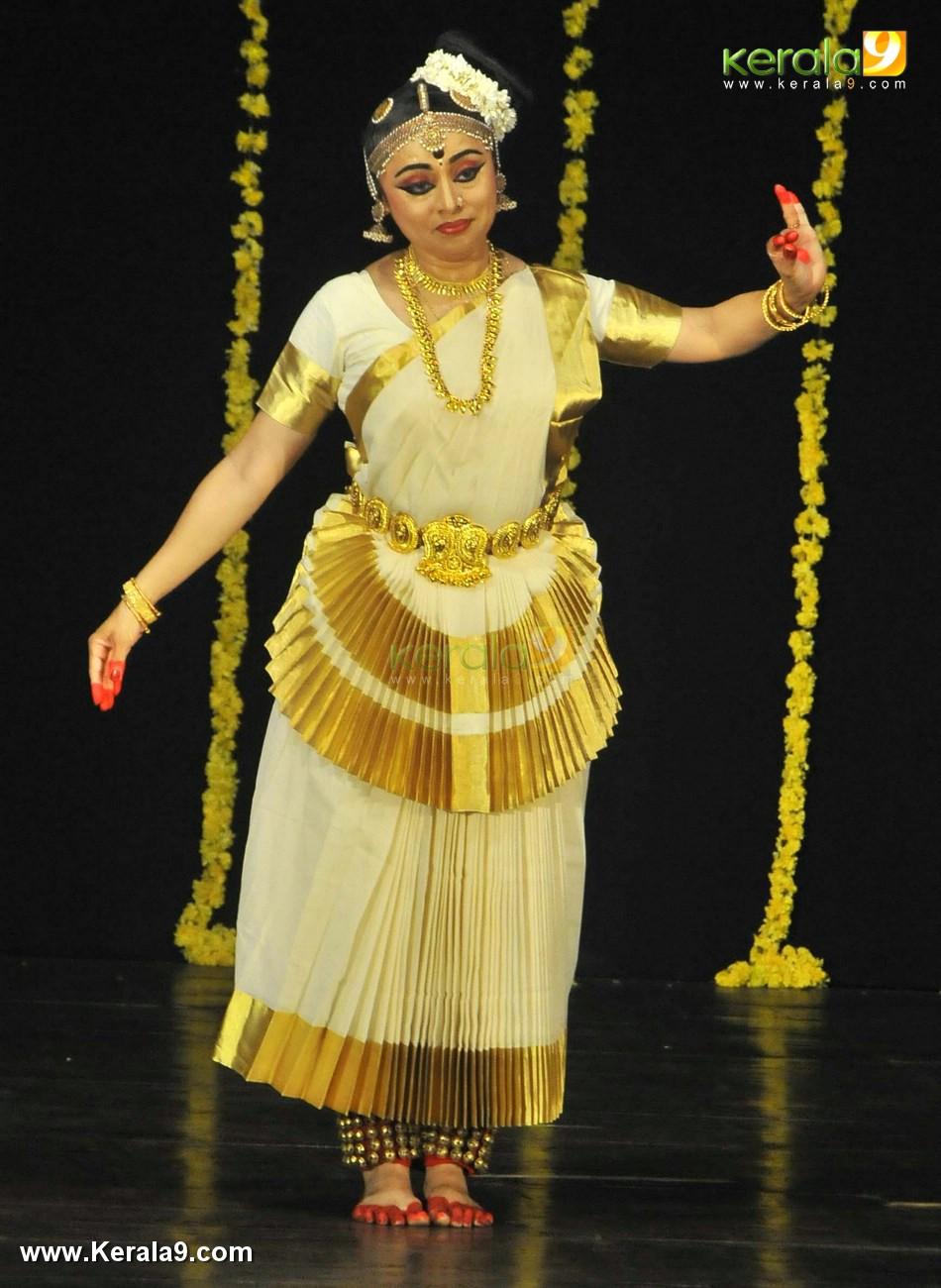 aparna n mohiniyattam dance performance photos 0923 019